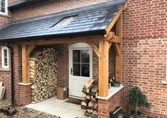 porches with lean to roof and oak posts Cottage Front Doors, House Front Porch, Cottage Porch, Front Porch Design, Side Porch, House Entrance, Porch Extension, House Extension Design, Porch Oak