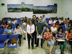 La delegada de Educación junto a los asistentes a las jornadas. - Foto:CORDOBA