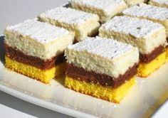 Prajitura frageda cu gem si nuci are o textura fina, se prepara foarte usor si este perfecta la orice ocazie. Umplutura cu gust aromat datorat combinatiei nuci-gem-lapte, aflata intre blatul de galbenusuri si cel de albusuri, creeaza un desert minunat. Ingrediente Prajitura frageda cu gem si nuci: Blat I: 6 Dessert Cake Recipes, Cupcake Recipes, Cupcake Cakes, Romania Food, Romanian Desserts, Torte Cake, Different Cakes, Cake Cookies, Food To Make