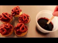 How to make Bloody Guts & Gore Halloween Cupcakes ~ The Walking Dead - Feel free to share! 'Like' The Pastryarch on Facebook for more more! https://www.facebook.com/thepastryarch Subscribe to get all the latest videos and check out the channel for lots of other cake decorating techniques!