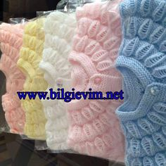 This Pin was discovered by Gün Crochet For Kids, Crochet Baby, Knit Crochet, Crochet Beanie Pattern, Baby Knitting Patterns, Knitting Videos, Baby Dress, Baby Car Seats, Diy And Crafts