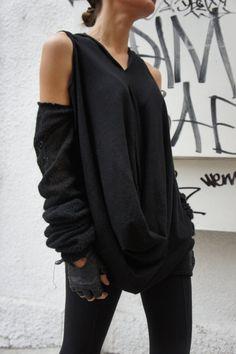 Loose Long Black Blouse / Knit Ovesized Top / by Aakasha on Etsy