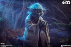 Star Wars - Yoda - Legendary Scale Sideshow Collectibles Statue Shipping From Moviemania Star Wars Characters, Star Wars Episodes, Sideshow Star Wars, Superman Dawn Of Justice, The Empire Strikes Back, Star Wars Toys, Sideshow Collectibles, Statue, Starwars