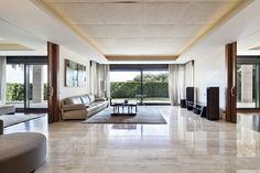 Salón en espectacular mansión en Barcelona.
