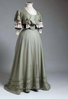Dress, Caroline Hummel, Vienna, ca. 1906. Silk and lace. Museum of Arts & Crafts, Zagreb