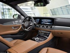 Het interieur van de nieuwe Mercedes-Benz E-klasse. Best wel on point. #MercedesBenz #Eklasse #dashboard #interieur
