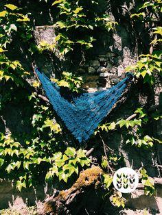 Shawl blue merino   Châle bleu Merino   Chal azul Merino   Sold out   Message me for a custom order. Handmade, Blue, Shawl, Crocheting, Hand Made, Craft, Handarbeit