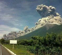 Erupción volcán de fuego Guatemala 2/7/15