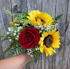 sunflower bouquet with red roses artificial but looks real! Sunflower Bridesmaid Bouquet, Sunflower Boutonniere, Red Rose Bouquet, Sunflower Bouquets, Rose Wedding Bouquet, Bridal Flowers, Bridal Bouquets, Red Roses And Sunflowers, Rustic Bouquet