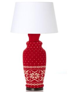 In just five minutes, you can #revamp a lamp for the #holiday season. #DIY #decor