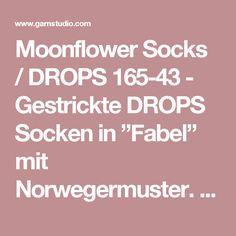 "Moonflower Socks / DROPS 165-43 - Gestrickte DROPS Socken in ""Fabel"" mit Norwegermuster. Gr. 35-43. - Kostenlose Anleitungen von DROPS Design"
