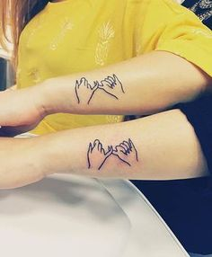 Pinky Swear Tattoos for Sisters or Best Friends #TattooDesignsArm