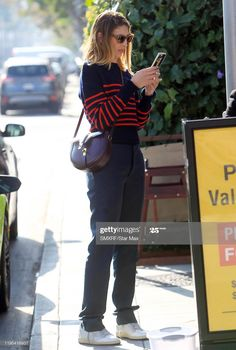 Look Casual, Casual Chic, Sofia Coppola Style, Comfy Heels, Fall Jeans, Mode Style, New York Fashion, Daily Wear, Jean Paul Gaultier