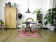 Harvest & Co. Interior Design: the way we like to decorate our spaces! #vintage #industrial #antique #furniture #home #decoration #style #factorylight #filmlight #studiolight #eclectic #paris #loft #apartment