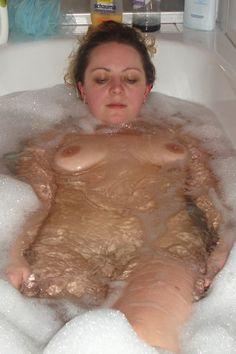 Опытная мамзель приняла ванную 9 фотография