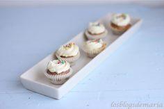 http://cocinayrecetas.hola.com/comerconpoco/20120625/mini-cupcake-de-fresas-con-frosting-de-queso/