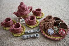 Too cute crocheted tea set!
