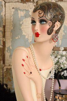 stunning art deco mannequin painted by Magda-my sister loves fancy mannequins! Arte Art Deco, Estilo Art Deco, Art Deco Illustration, Vintage Mannequin, Mannequin Heads, Art Nouveau, Belle Epoque, Art Deco Fashion, Vintage Fashion