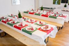 Tischdekoration Weihnachten Table Settings, Table Decorations, Furniture, Home Decor, Christmas Holidays, Christmas Gifts, Bricolage, Invitations, Homemade Home Decor