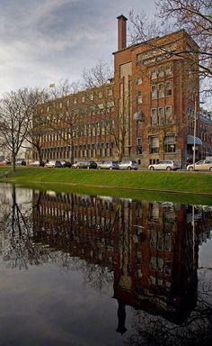 Heineken gebouw aan de Boezemsingel.