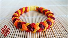 to Make a 4 Strand Round Braid with Buckles Tutorial Hey Weavers, in this tutorial we'll learn how to make the 4 strand round braid paracord bracelet wit. Paracord Braids, Paracord Knots, 550 Paracord, Paracord Bracelets, Survival Bracelets, How To Braid Paracord, 4 Strand Round Braid, 4 Strand Braids, Diy Braids