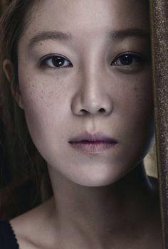 Gong Hyo Jin up close...beautiful.