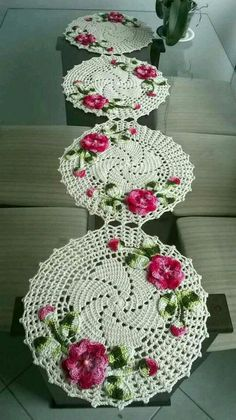 1 million+ Stunning Free Images to Use Anywhere Crochet Doily Rug, Crochet Table Runner Pattern, Granny Square Crochet Pattern, Crochet Flower Patterns, Crochet Chart, Filet Crochet, Crochet Flowers, Crochet Flower Tutorial, Crochet Decoration