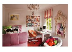 Eclectic girl's space. Love the pinks, oranges and neutrals.
