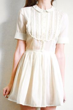 Such a pretty little white dress. The peter pan collar and the ruffled lace bib are so wonderful. Dress Skirt, Lace Dress, Dress Up, White Dress, White Lace, White Cotton, Vintage Outfits, Vintage Fashion, Indie Mode
