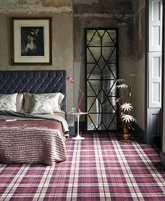Weirdly, I really like the tartan carpet, but would never work in my bedroom. Bedroom Carpet, Home Bedroom, Bedroom Decor, Wall Carpet, Modern Bedroom, Bedroom Wall, Deco Design, Design Trends, Design Ideas