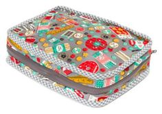 Carry Along Sewing Case Free Pattern: Robert Kaufman Fabric Company Free Sewing Pattern Sewing Case, Free Sewing, Sewing Kits, Quilt Patterns, Sewing Patterns, Bag Patterns, Small Sewing Projects, Sewing Baskets, Sewing Accessories