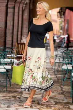With Painterly Flowers Our Spring Meadow Skirt Has Just Enough Charming Sweep To Capture Your Soft Surroundingscomfortable Fashionchicos
