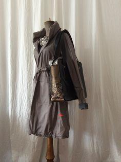 bag for Lívia coat for rain HAVRAN Unique Outfits, Rain, Victorian, Coat, Clothes, Dresses, Fashion, Rain Fall, Outfits