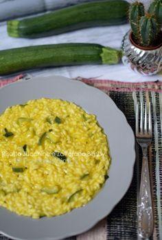 RISOTTO ZUCCHINE E ZAFFERANO BIMBY Ethnic Recipes, Pasta, Food, Dinner, Thermomix, Meals, Noodles, Yemek, Eten