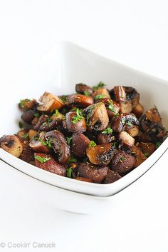 Easy Roasted Mushrooms with Rosemary & Garlic - It's hard to resist eating the whole bowl!