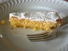 Os nossos irmãos galegos garantem que esta tarte tem uma origem longínqua, em 1577, tendo sofrido varios apuramentos até chegar à receita a...