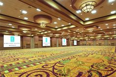 The Windsor Ballroom at the La Vista Conference Center measures at an astonishing 30,000' and has the ability to divide into 10 separate meeting spaces at once. The space can hold up to 3,200 guest.
