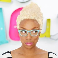 Meet Maya Smith Ilovethedoux Owner Of Thedouxsalon In Macon Ga In 2008 She Launched Her First Natural Hair Sal With Images Celebrity Hair Stylist Hair Hacks
