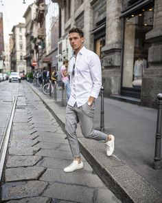 28 Ideas basket blanche homme mode for 2019 Latest Mens Fashion, Fashion Mode, Fashion Trends, Paris Fashion, Fashion Fashion, Runway Fashion, Casual Wear, Casual Outfits, Men Casual