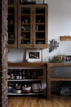 Kitchen with a rustic touch. Via a paper aeroplane