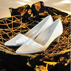 bride's shoes,  * All through the garden path... and reception elegant low heels.