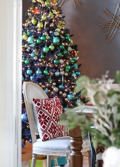 Dining Room // 2014 Holiday Home Tour Inspired by Charm www.inspiredbycharm.com