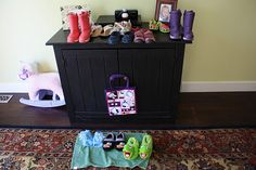 Shoe store- pretend play  For additional resources come join us at:  http://www.smartappsforspecialneeds.com
