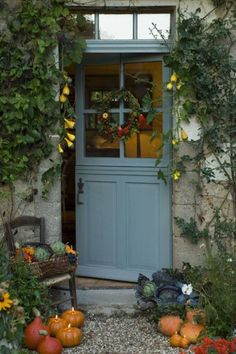 Front Door Paint Colors - Want a quick makeover? Paint your front door a different color. Here a pretty front door color ideas to improve your home's curb appeal and add more style! Cottage Front Doors, Cottage Door, Cottage Exterior, Wooden Cottage, Diy Exterior, Stucco Exterior, Exterior Paint, Style Cottage, Swedish Cottage