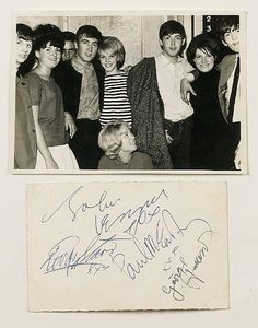 The Beatles early days and signatures Beatles Love, John Lennon Beatles, Beatles Photos, Beatles Art, Teddy Boys, Music Genius, Thing 1, Rock And Roll Bands, Old Music