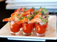 Wedding Wednesday: Trends that will bring you to Tiers Summer Side Dishes, Healthy Side Dishes, Healthy Sides, Low Country Boil, Pub Food, Lettuce Wraps, Appetisers, Daily Bread, Shrimp Recipes