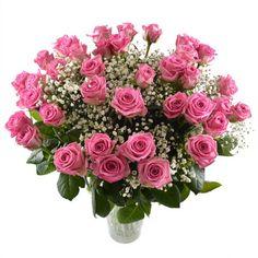 """Букет """"Робкая  нежность"""". Плотный круглый букет из розовых роз, оригинально оформленный зеленью и нежной гипсофилой. Очарует любую женщину, подойдет и для первого свидания, и для празднования годовщины свадьбы."""