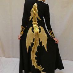 Dragon dress picture part 2 #throneofglass #tog #queenofshadows #qos #celeanasardothien #aelin #aelincosplay #sarahjmaas #sjmaas…