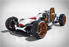 Previsto para estreia no Motor Show de Frankfurt, o impressionante Honda 2&4 é um espetacular kart de quatro rodas, leve e com um motor 999cc V4 superbike debaixo do capô. Projetado pelo estúdio de design de motos da Honda em Asaka, no J