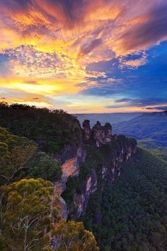 this-is-wild:  (via 500px / Three Sisters, New South Wales by Alexander Hare)